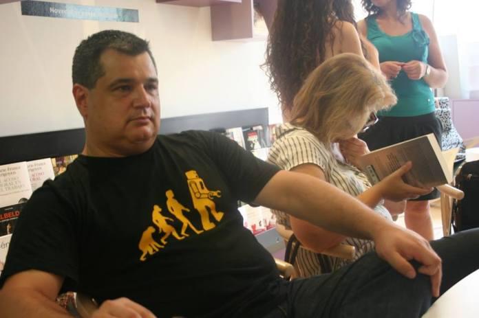 """alt=""""Javier Arnau, editor de Planetas Prohibidos, javierpellicerescritor.com"""""""